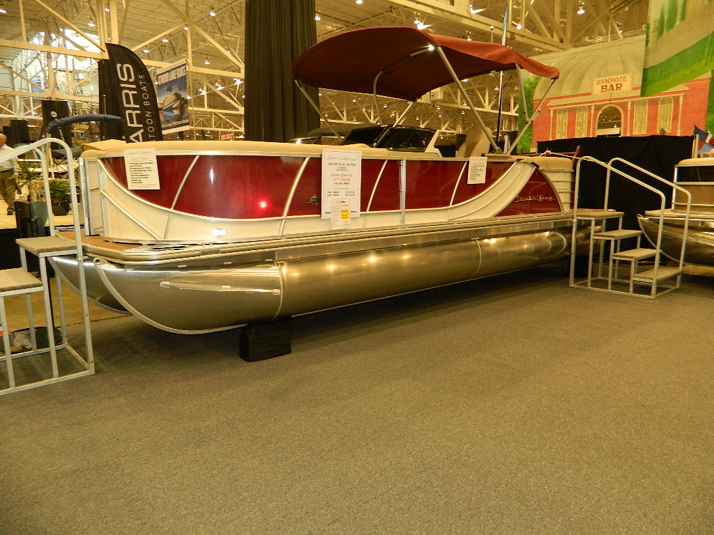 Castaway Yacht Sales Image 5