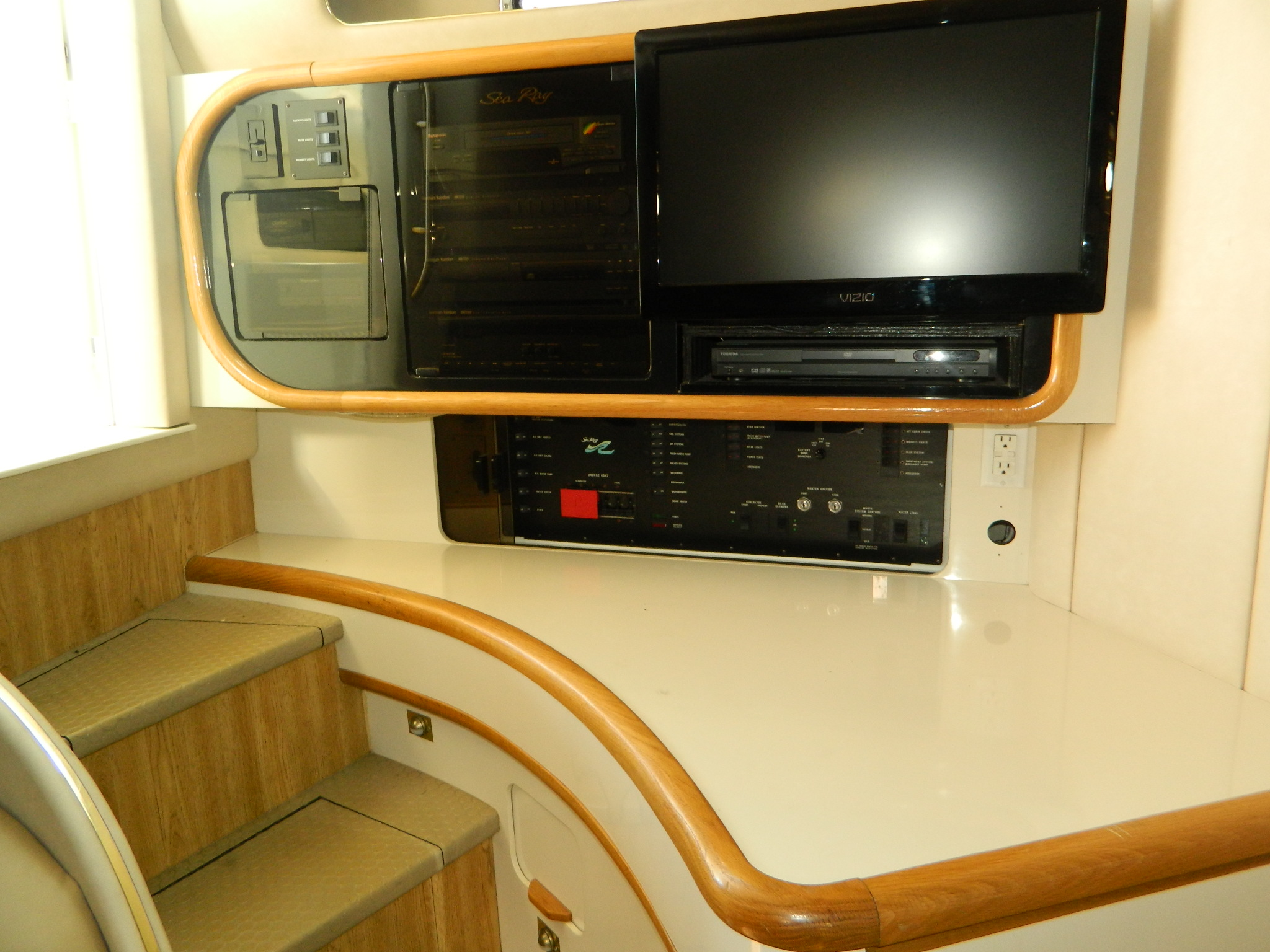 Castaway Yacht Sales | Boat Detail Page | Boat Sales in Port Clinton