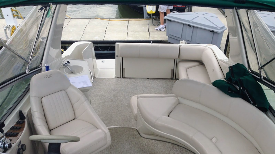 29' Regal Commodore